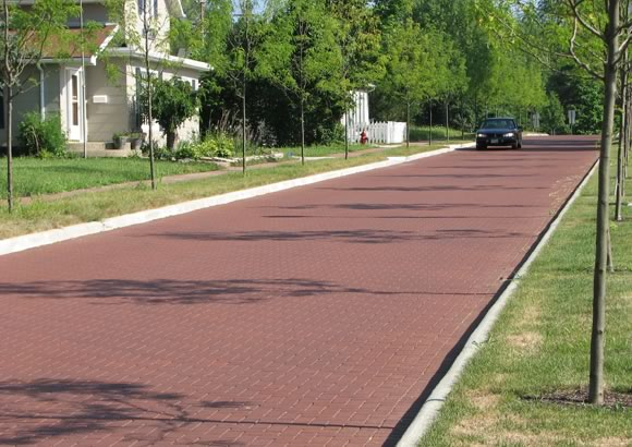 Pine Hall Brick's affordable and easily maintained permeable clay pavers were chosen for a repaving project in New Albany, Ohio.