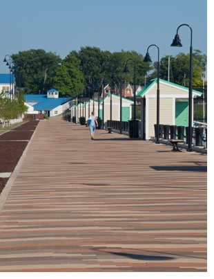 A specific range of colors provided by Belden Brick also was a major consideration for the floating pavement pavers.