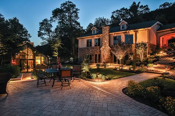 The Packer Residence (Harrisburg, PA) wins the ICIP 2013 award for Combination of hardscape products – Residential – More than 4,000 sf.