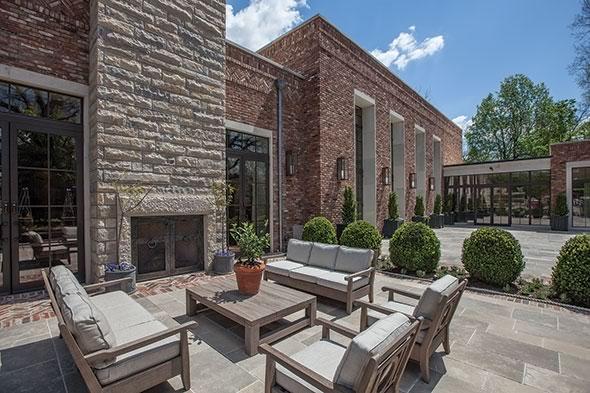 The Apiary Lexington Kentucky brick stone courtyard