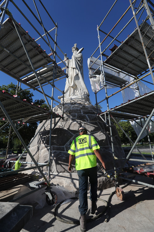 Scaffolding to access statues